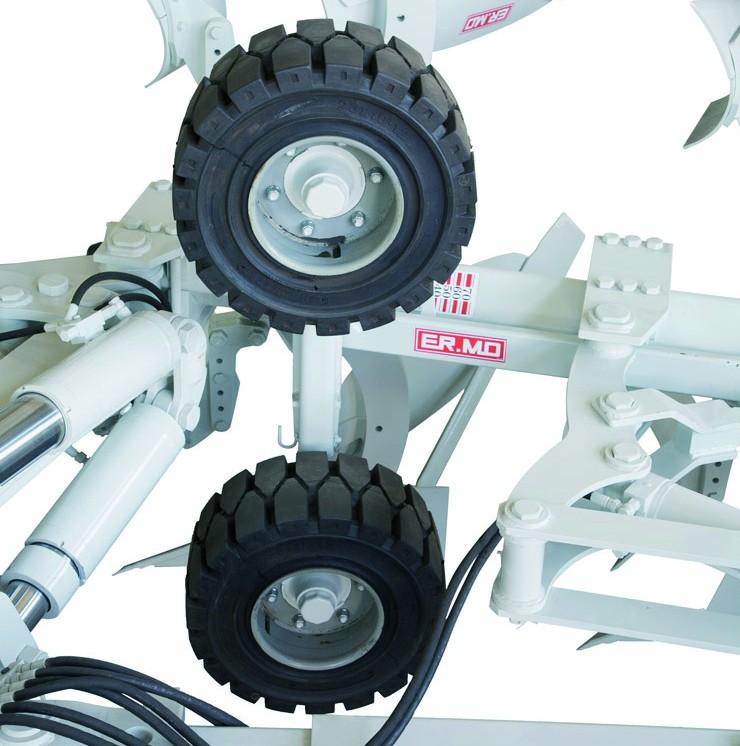 Reversible mounted 9