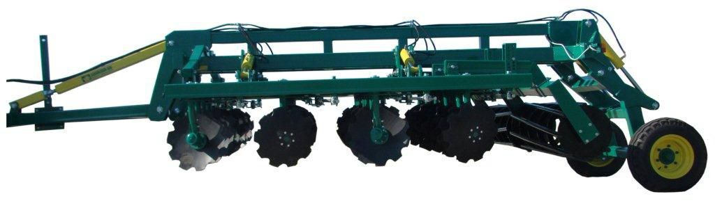 Trailed disc harrow / with roller
